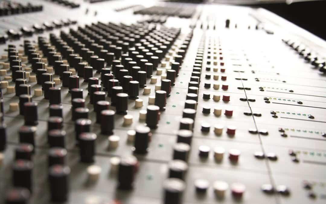 Curso de DJs, Radio, Canto y Producción Musical